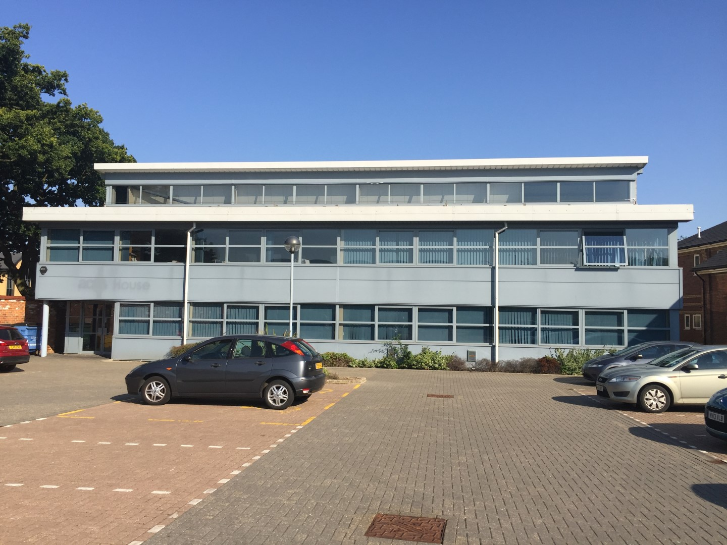 High Specification Office Building In Bury St Edmunds To