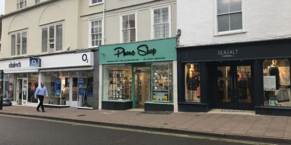 Phone Shop – new retail letting in Bury St Edmunds